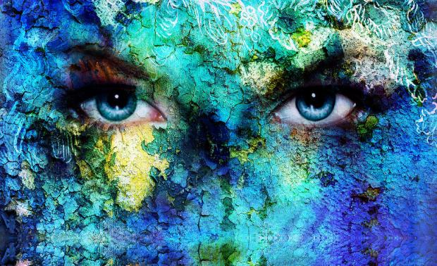 beautiful-blue-women-eyes-beaming-color-desert-crackle-effect-painting-collage-artist-makeup-jozef-klopacka